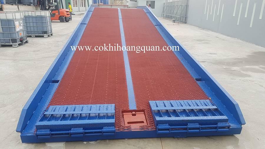 Cầu Dẫn Xe Nâng Lên Container Lưới Mắt Cáo